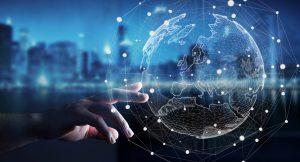 vernetzter Globus auf den einen Hand hingreift
